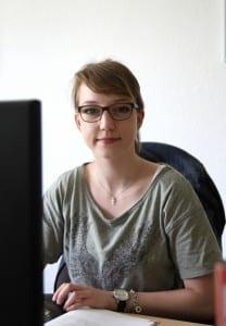 Jennifer wird bei NATURSTROM zur Kauffrau für Büromanagement ausgebildet. (c) NATURSTROM