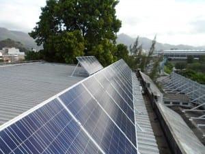PV-Anlage auf dem Dach der CEFET