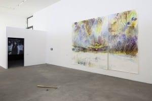 """Zeitgenössischer Kunstgenuss pur im KW: Hier die Ausstellung """"Fire and Forget"""". (Bild: © Timo Ohler)"""