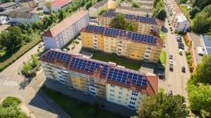 Die Mieter in den Eberbacher Häusern der Baugenossenschaft Familienheim Mosbach eG können künftig Solarstrom vom Dach beziehen. © WIRCON GmbH