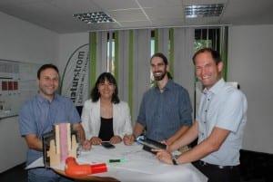 Die NATURSTROM-Wärmeabteilung von rechts nach links: Abteilungsleiter Thilo Jungkunz, Felix Schubert, Irina Adelmann und Maximilian Rapp. (Bild: © NATURSTROM AG)