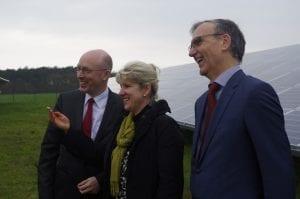 Gute Laune bei der Anlagen-Einweihung: Minister Pegel, Bürgermeisterin Tonn und NATURSTROM-Vorstandsvorsitzender Dr. Banning © NATURSTROM AG
