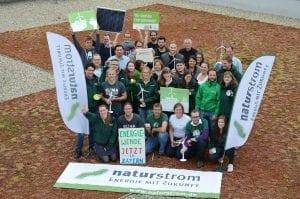 Am NATURSTROM-Standort Forchheim machten mehr als 30 Mitarbeiterinnen und Mitarbeiter für die dezentrale Energiewende mobil © NATURSTROM AG
