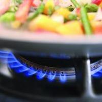 Ökologisch kochen und heizen mit naturstrom biogas © iStockphoto.com