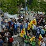 Am Bundeswirtschaftsministerium sammeln sich Energiewende-Aktivisten aus ganz Deutschland zur Demo © NATURSTROM AG