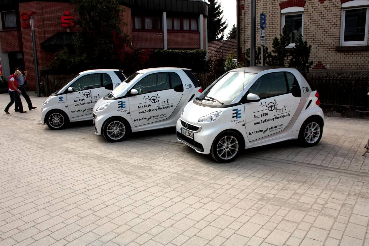 Elektroautos fahren macht Spaß – das zeigt die hohe Nachfrage im CarSharing-Projekt Renningen. Einmal ausprobiert, möchten die meisten Nutzer regelmäßig Stromer fahren. Mit naturstrom betrieben, sind die Fahrzeuge zudem sehr klimafreundlich. (Bild: © Ökostadt Renningen e.V.)