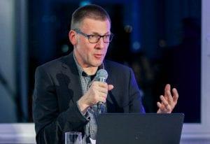 Postwachstumsökonom Nico Paech in der Diskussion