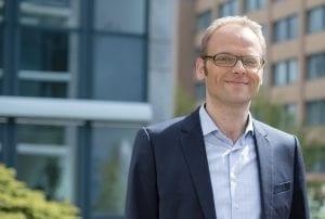 Dr. Tim Meyer leitet den Geschäftsbereich Dezentrale Energieversorgung bei NATURSTROM – Mieterstrom ist eines seiner Kernthemen © NATURSTROM AG