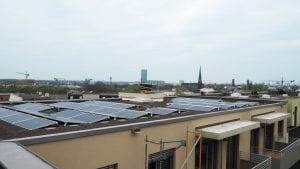 In der Berliner Giselastraße können Mieter künftig Sonnenstrom vom Dach beziehen © NATURSTROM AG