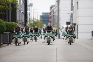 Pressefoto_Donk-EEs radeln durch den Rheinauhafen 2_Foto NATURSTROM AG
