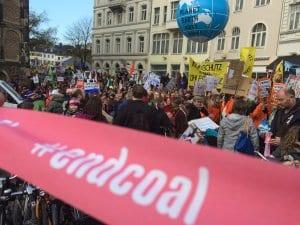 Ein Blick auf die bisher größte Klimaschutz-Demonstration zwei Tage vor Start der Klimakonferenz COP23 in Bonn.. Foto: NATURSTROM