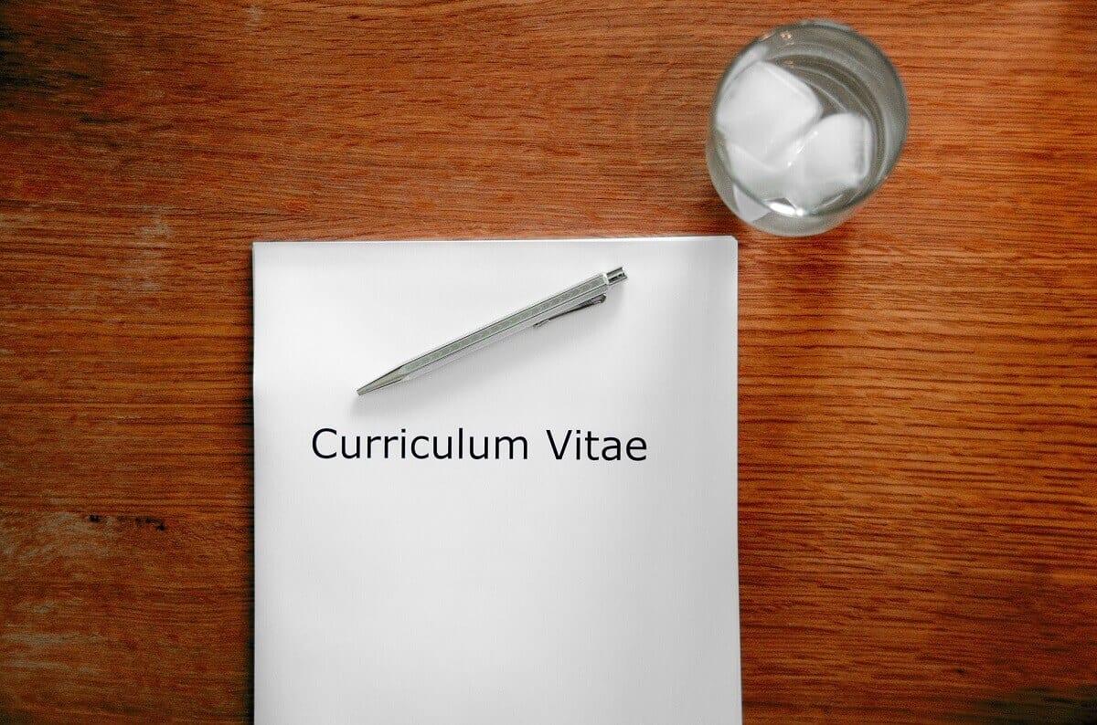 . Damit der Jobwechsel auch klappt, haben wir mit unserem NATURSTROM-Personaler ein paar Bewerbungstipps für euch gesammelt. Teil 1: Die richtigen Bewerbungsunterlagen.