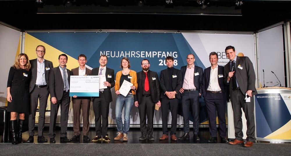 Gruppenfoto der Teilnehmerinnen und Teilnehmer des BEE Start-up-Pitches.