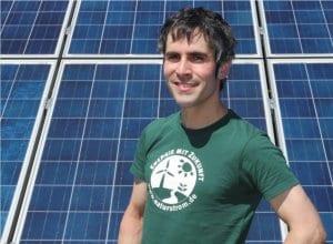 Rolf vor Solaranlage