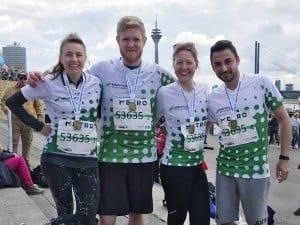 Eins von unseren insgesamt zwei NATURSTROM-Teams, die dieses Jahr beim METRO Marathon als Staffel angetreten sind. Und glücklich ins Ziel kamen - eins der Teams sogar unter den ersten 100 - und das bei tausenden von Teams.