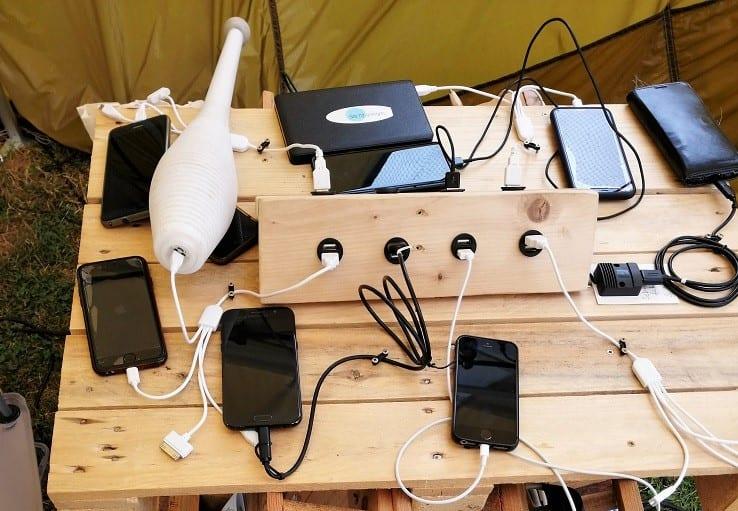 Ladestation für Smartphones auf dem Katzensprung Festival