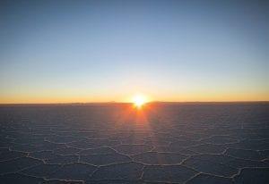 Die Sonnenkraft nutzen - zum Beispiel die in der Atacama-Wüste. Dass wir alle Erneuerbaren Energien brauchen sollte auch auf der 25. Weltklimakonferenz deutlich werden.