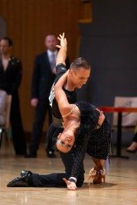 Sportler bei NATURSTROM mit Tanzpartnerin